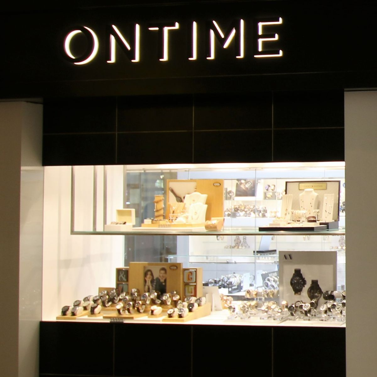 ON TIME - THE DUBAI MALL